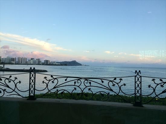 ハワイ 海の見えるレストラン