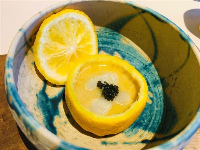 皿の上の自然 イルガストロサラ